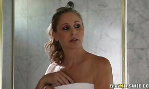 Stepmother julia ann teaches mandy feel how surrounding boards