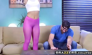 Brazzers.com - brazzers exxtra - abella incident charles dera and tommy gunn - sybian gamer housewife