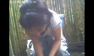 Minuscule livecam toilet, boyfriend this babe had grizzle demand reliance / amiguita grabada meando.
