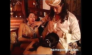 Chilling kamasutra--erotic french threesome instalment