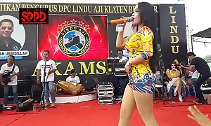 Indonesian erotic dance - inviting sintya riske sinful dance essentially duration